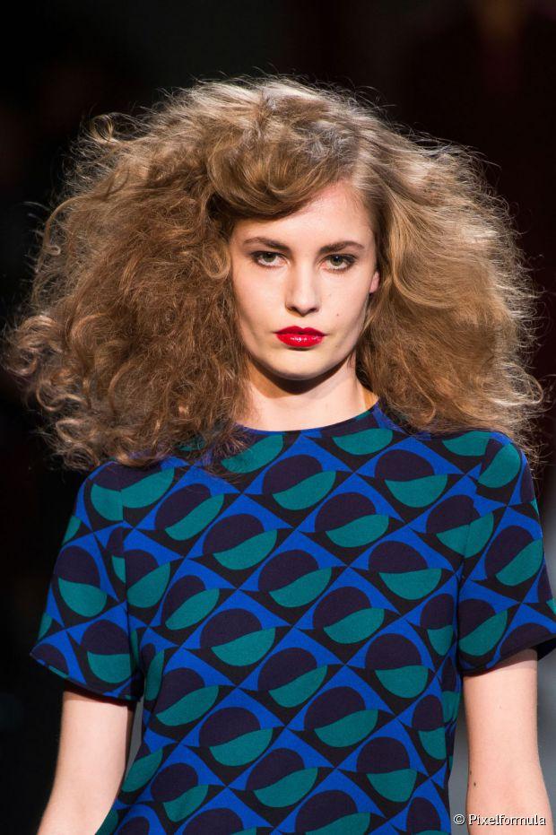 Große Haarideen für den Trend Neu mit hohem Volumen