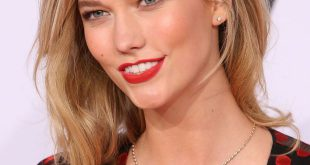 Date Nacht Frisuren: Karlie Kloss 'romantischen Blowout