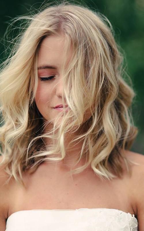 Neu Schöne Mittlere Wellenförmige Frisur Ideen
