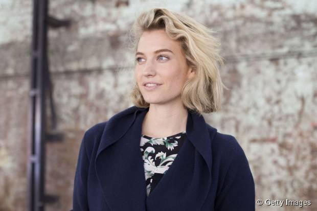 Einfache und romantische Date Night Frisuren für Frauen