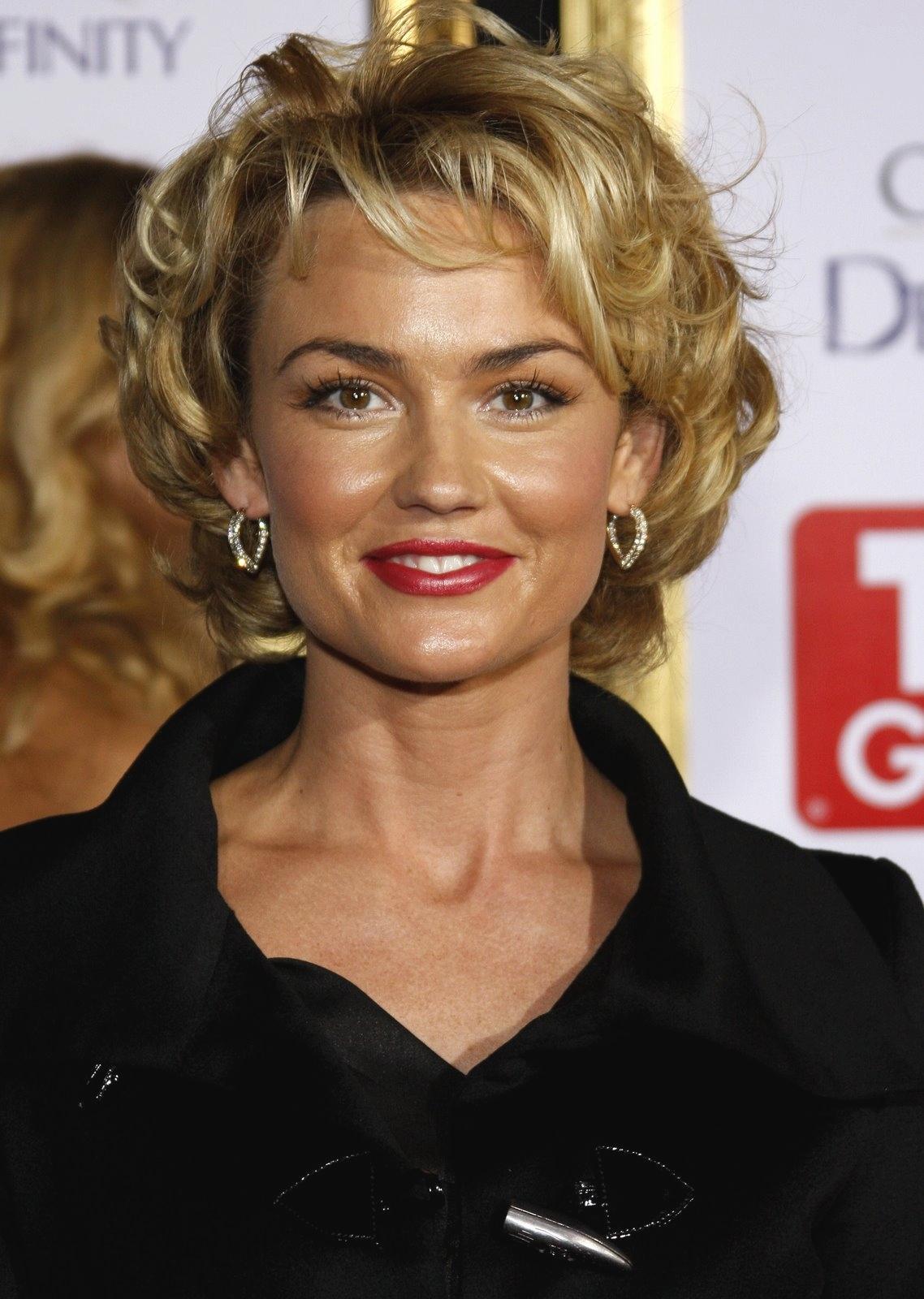 30 wellige Frisuren für Frauen über 50 - Look Young And Beautiful
