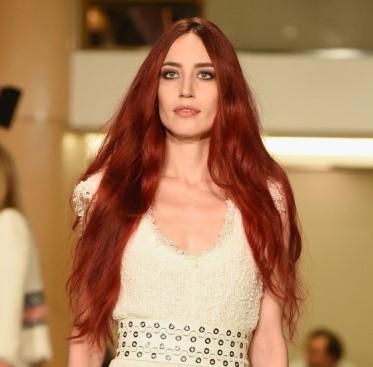 Marsala Haarfarbe für Neu