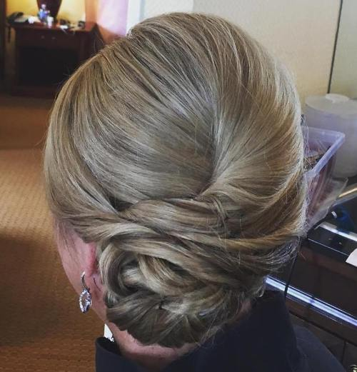 50 Hinreißende Mutter der Braut Frisuren