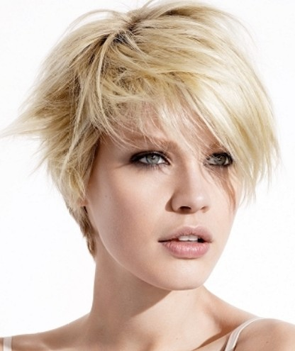 Short Chic Haircuts zum Versuch im Jahr Neu