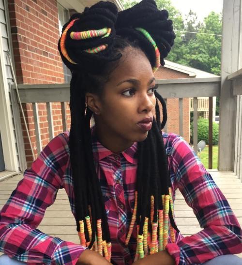 20 spielerische Möglichkeiten, Garn Dreads zu tragen