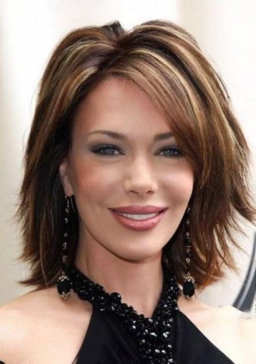 60 prominentesten Frisuren für Frauen über 40