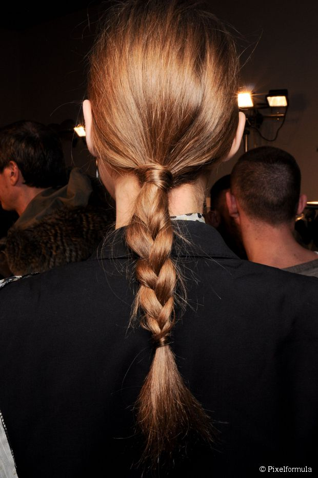 4 Easy Frisuren für ungewaschene Schlösser
