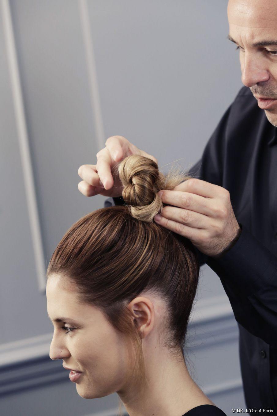 Warum ein Brötchen oder Haarknoten die perfekte Hochsteckfrisur für ombre Haare ist