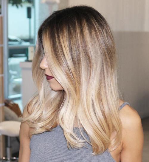 22 atemberaubende blonde Balayage Haarfarbe Ideen