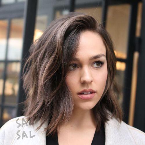 40 schmeichelhafte Frisuren und Frisuren für ovale Gesichter
