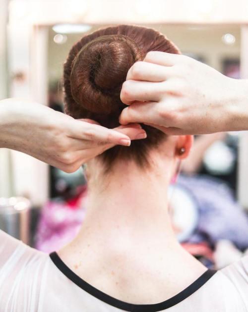 10 schädigende Haargewohnheiten, die Sie so schnell wie möglich ändern müssen