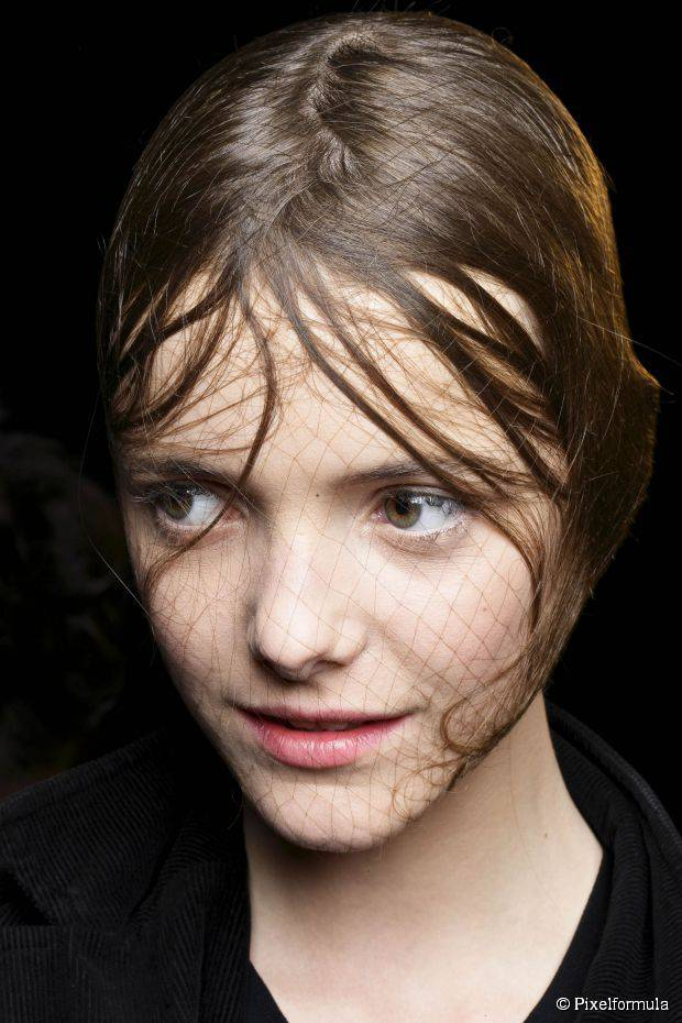 Einfache Last-Minute Halloween Frisur für Frauen