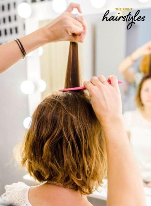 Wie man eine verdrehte Frisur für feines Haar in 6 einfachen Schritten erstellt